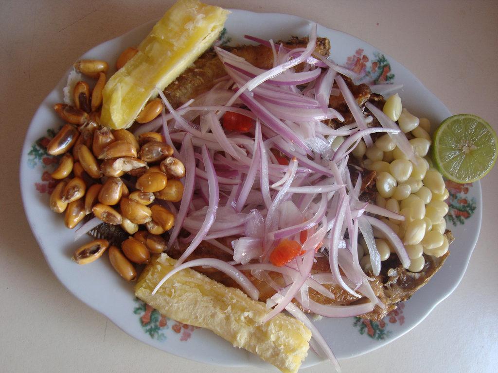 Acompañamiento ceviche peruano