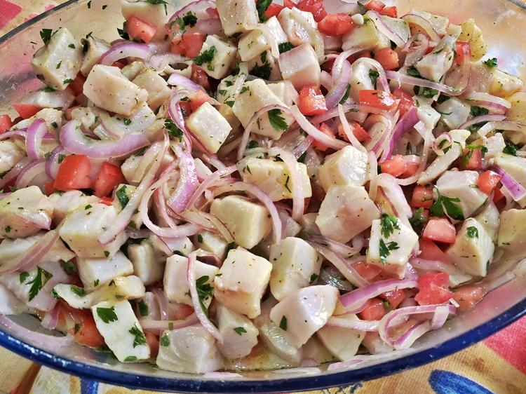 ceviche de pescado cocido